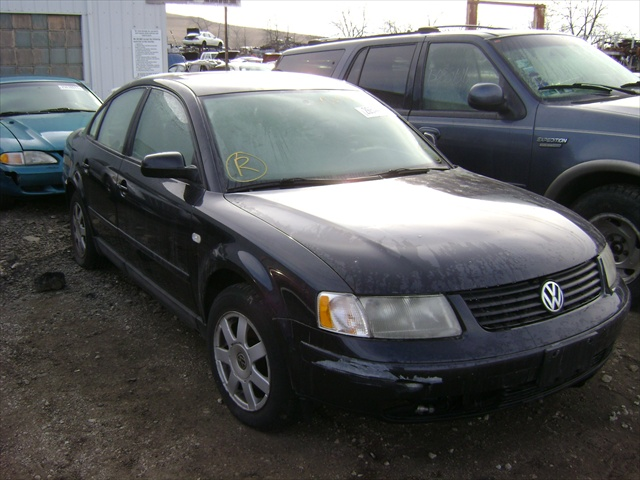 1999 Volkswagen Passat Manual http://alsautosalvageandsales.com/vehicle_pages/repairables/cars/174-1999_vw_passat_black_vin2889.html