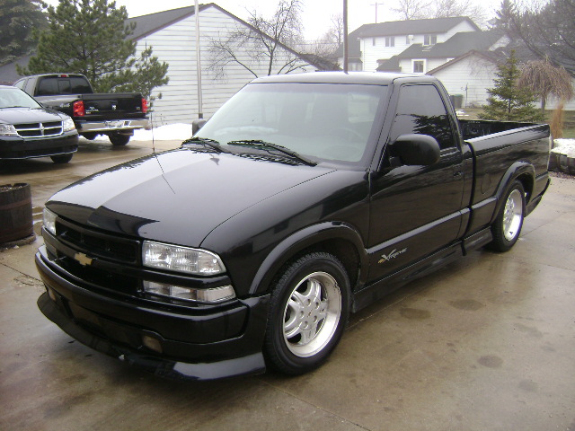 019) - 2000 Chevy S10 Extreme (black) stock22878 vin6530