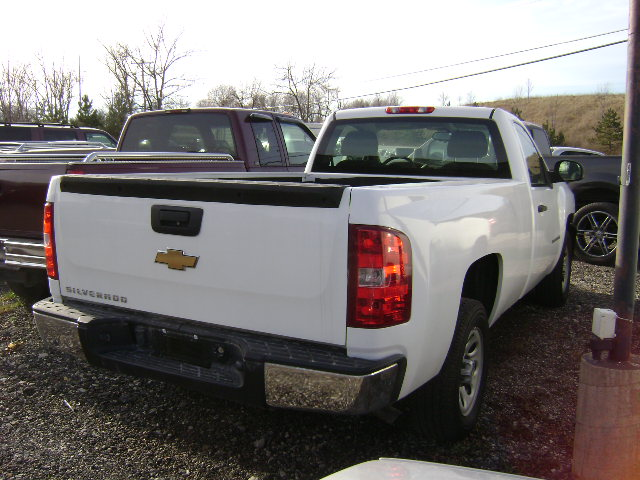 "photo of 05 chev silverado auto trans в""– 104217"